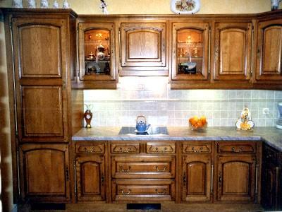 Cuisine cuisine rocchetti ventoux chevill e meubles for Modele placard cuisine bois