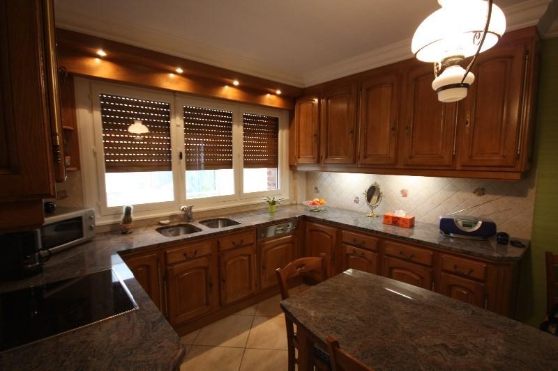 cuisine cuisine rocchetti ventoux plan de travail et table granit meubles rocchetti nord. Black Bedroom Furniture Sets. Home Design Ideas