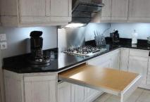 Cuisine ROCCHETTI modèle Oslo laqué blanc patine grise plan de travail en granit