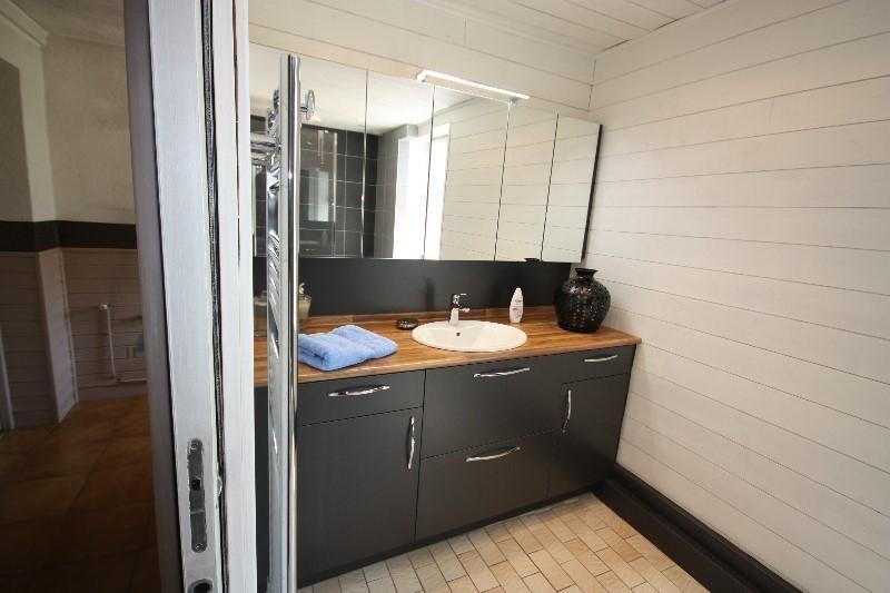 salle de bain rocchetti cadette meubles rocchetti nord. Black Bedroom Furniture Sets. Home Design Ideas